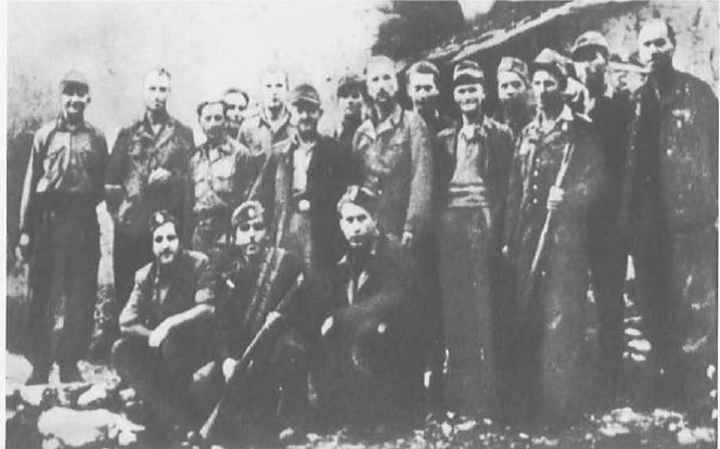 3 Γερμανοί αντιφασίστες με αντάρτες του ΕΛΑΣ. Αντίγραφο