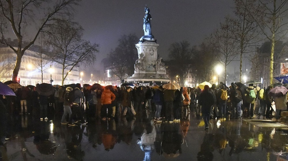 10 des participants a la nuit debout le 2 avril 2016 place de la republique a paris 5575259