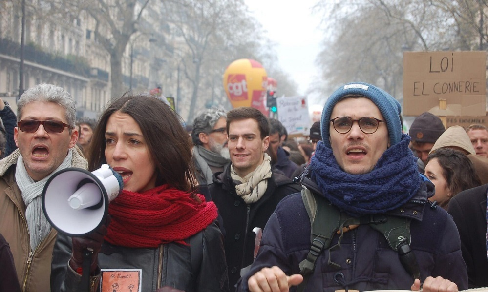 2 Demonstrators in Paris on 9 April