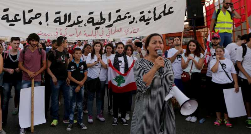 40elaliberta-beirut-protesters-give-the-lebanese-government-an-ultimatum-1441047262.jpg