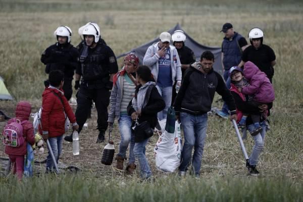 ΑΝΤΑΡΣΥΑ: Κάτω τα χέρια από τους πρόσφυγες στην Ειδομένη