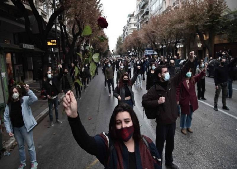 Πολυτεχνείο 2020: Μαχητικές συγκεντρώσεις και άγρια καταστολή σε  Θεσσαλονίκη, Γιάννενα, Ρέθυμνο και Ηράκλειο - elaliberta.gr