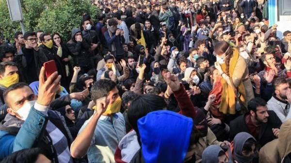 NPA (Γαλλία): Αλληλεγγύη στη λαϊκή εξέγερση του Ιράν