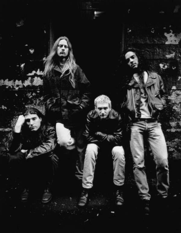 Alice In Chains – Down To Hole